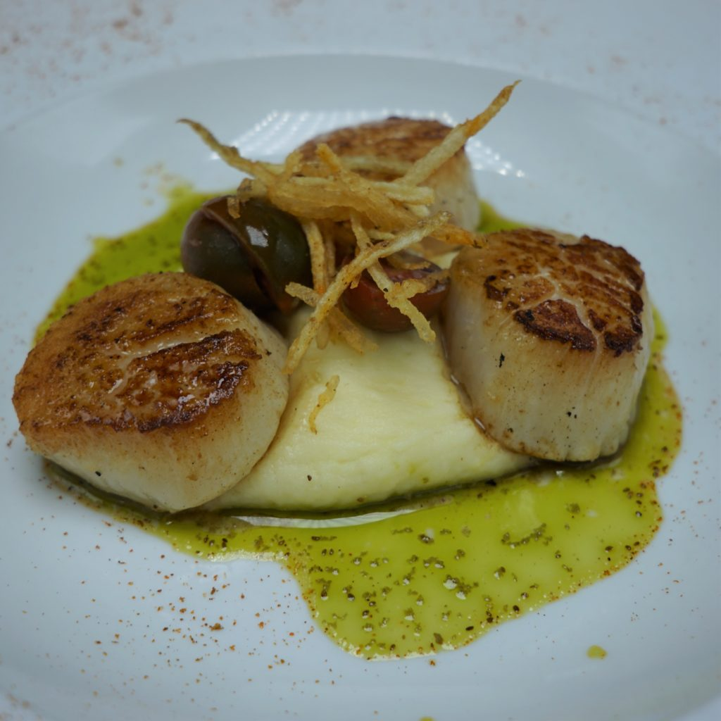 Jean Louis Scallops Close